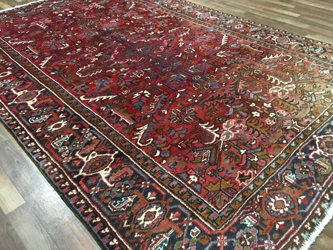 Vintage Handmade Heriz Red Wool Oriental Rug 7'2 x 10'7