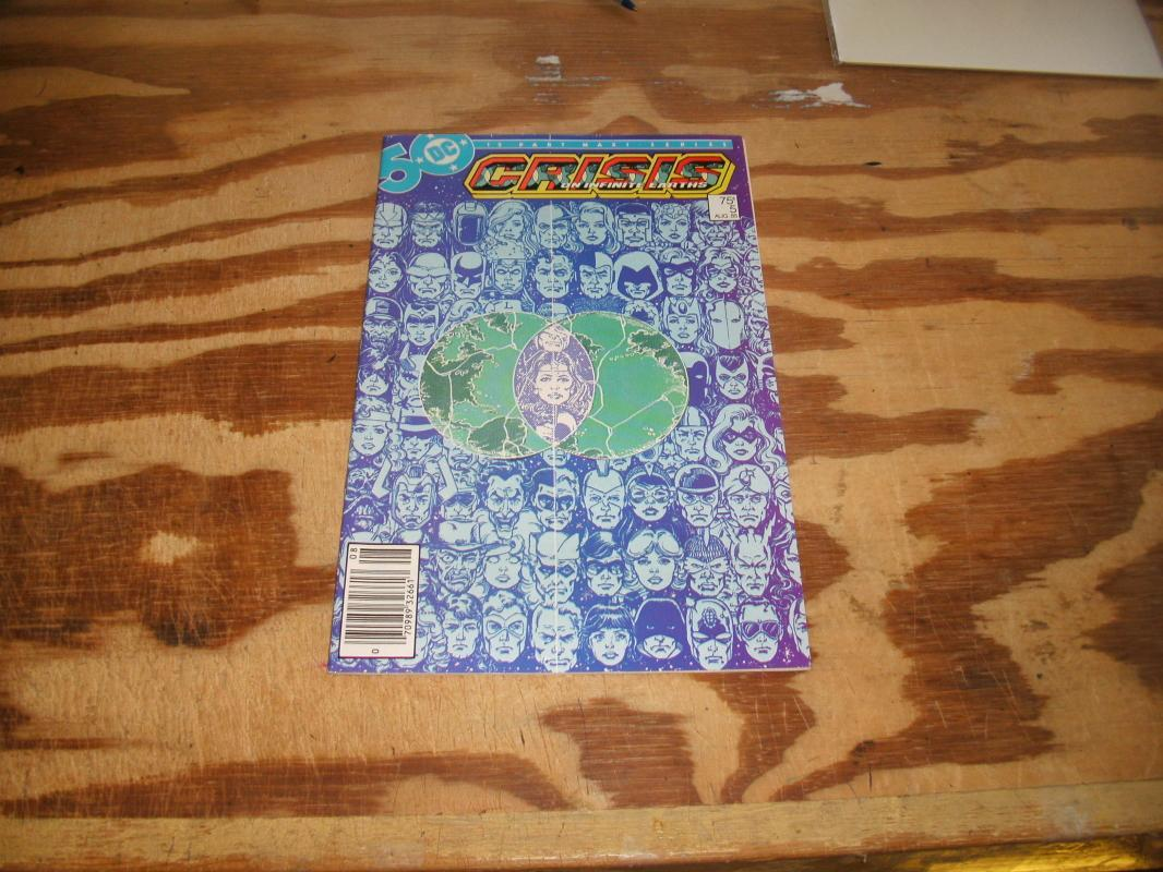 Crisis on Infinite Earths #5 comic mint 9.9