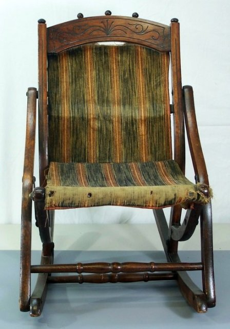Stupendous Antique Victorian Walnut Childs Rocking Chair Beatyapartments Chair Design Images Beatyapartmentscom