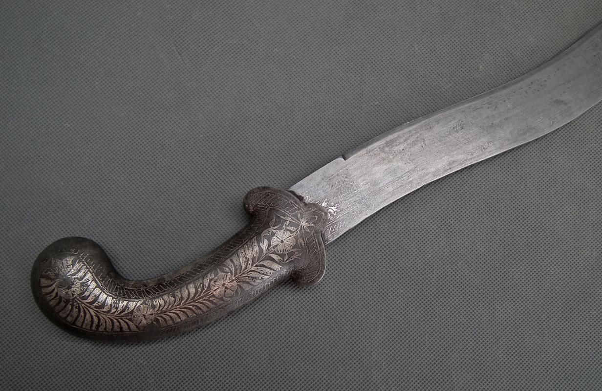 Antique Indo Persian Islamic Indian Mughal sword 18th century India