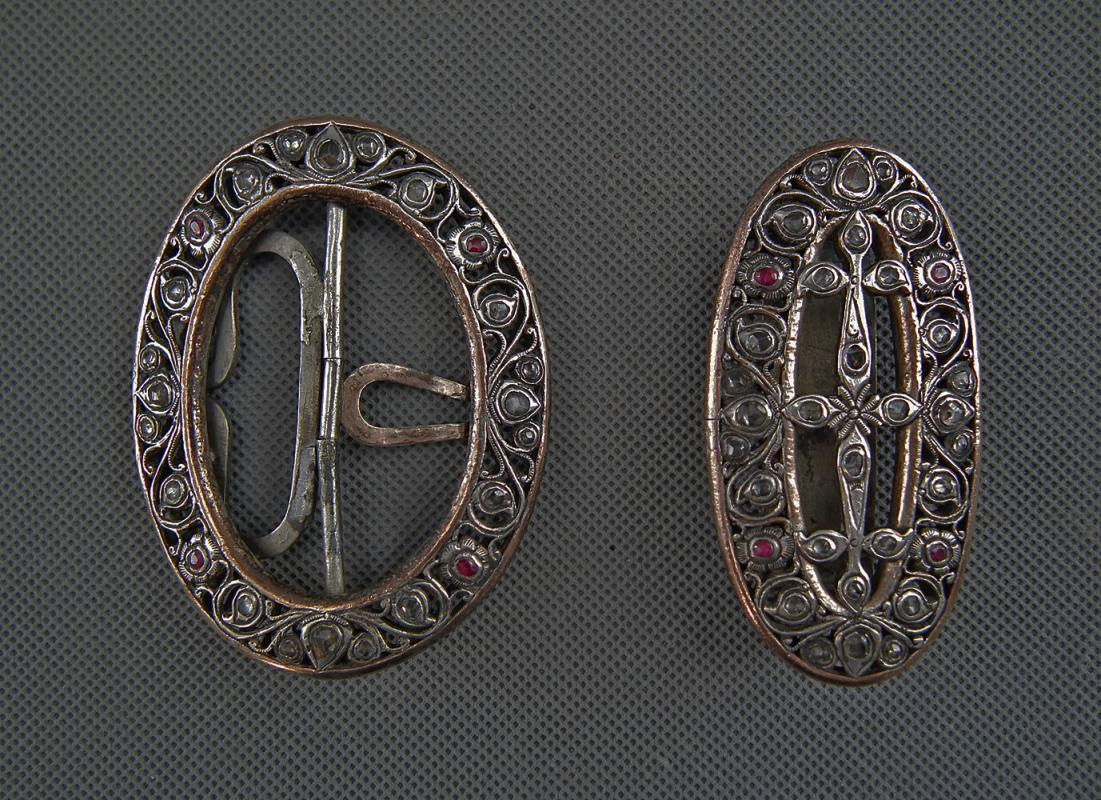 Antique Islamic Indonesian Java-Borneo Javanese Jeweled Silver Buckle For Kris Keris Sword Dagger Belt