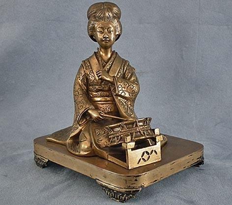 Antique 19th century Japanese Bronze Geisha Sculpture Meiji Period