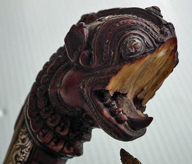 Antique Ceylonese Sinhalese Sword Kastane 17th -18th century Ceylon Sri Lanka