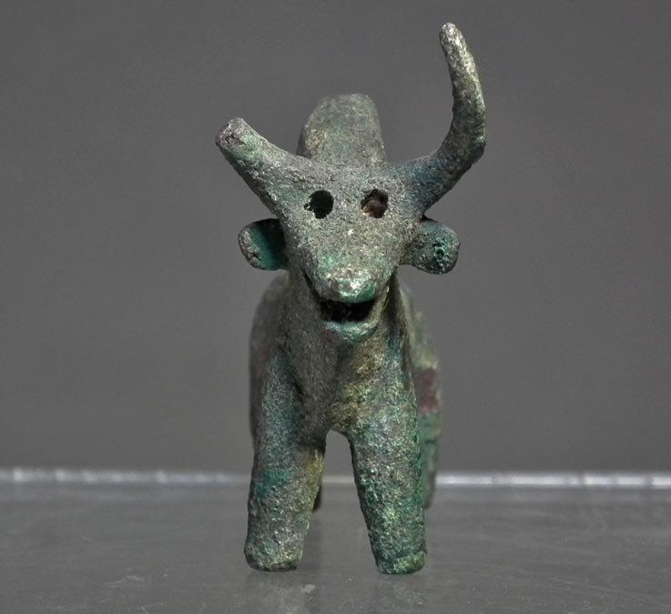 Ancient 1000 B.C. Western Asiatic Bronze Zebu Bull