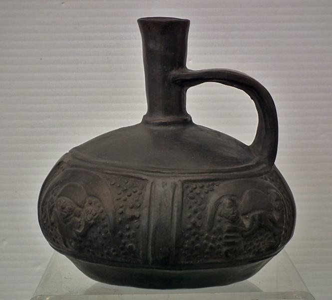 Antique Pre-Columbian Chimú Blackware Pottery Vessel ca. 1100 - 1532 AD