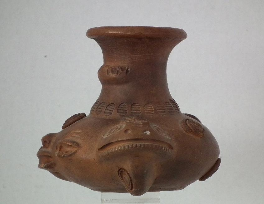 Ancient Pre-Columbian Chorrera 9th–5th century B.C. Effigy Vessel