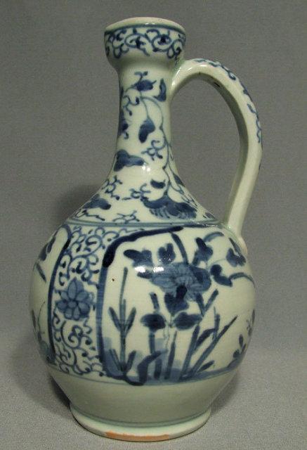 Antique Japanese Arita Porcelain Ewer, 17th century