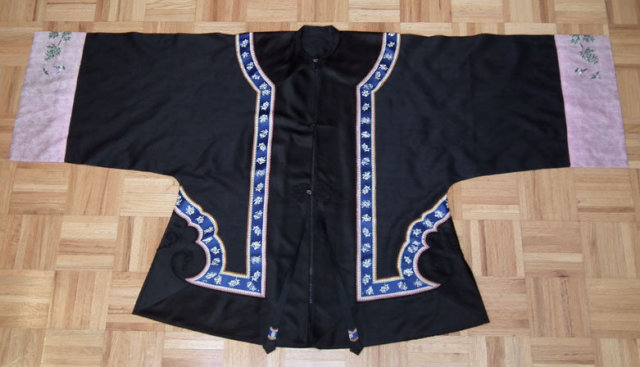 Antique Chinese Qing Dynasty Black Silk Sumer Robe