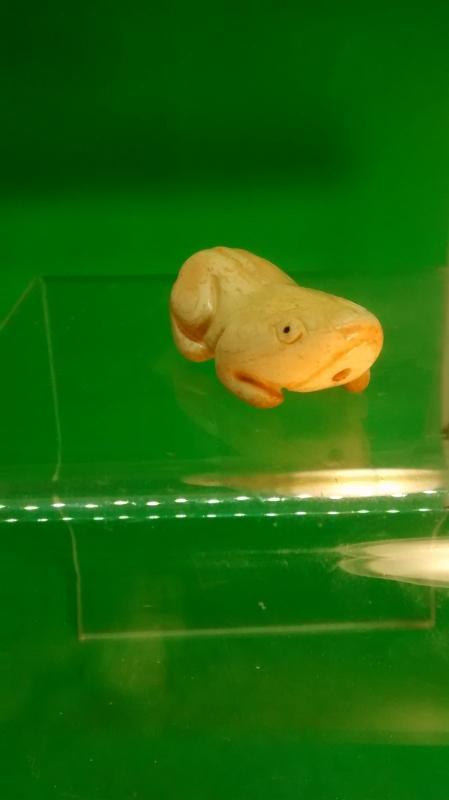 Palm Ivory Frog Netsuke Slide