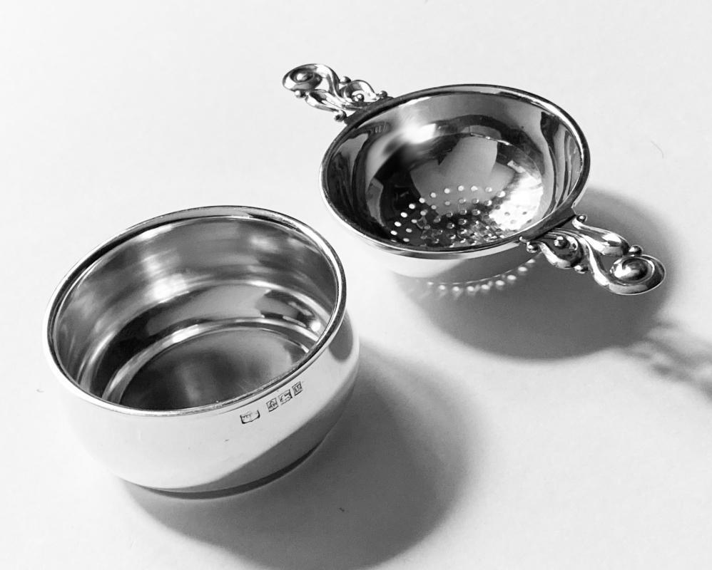 Sterling Tea Strainer on Stand, Mappin and Webb Birmingham 1961