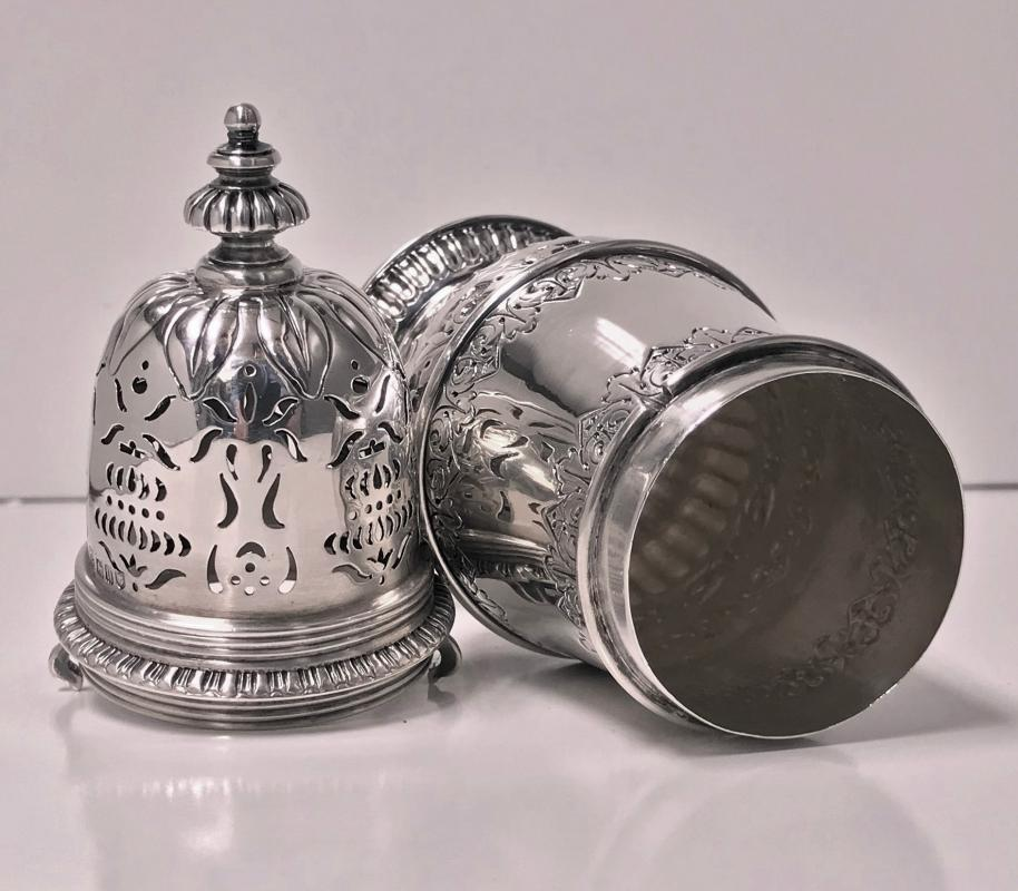 Georgian style Sterling Silver Caster, London 1912, S.W. Smith.