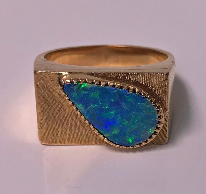 1970's 18K Pink Gold Opal triplet Ring.