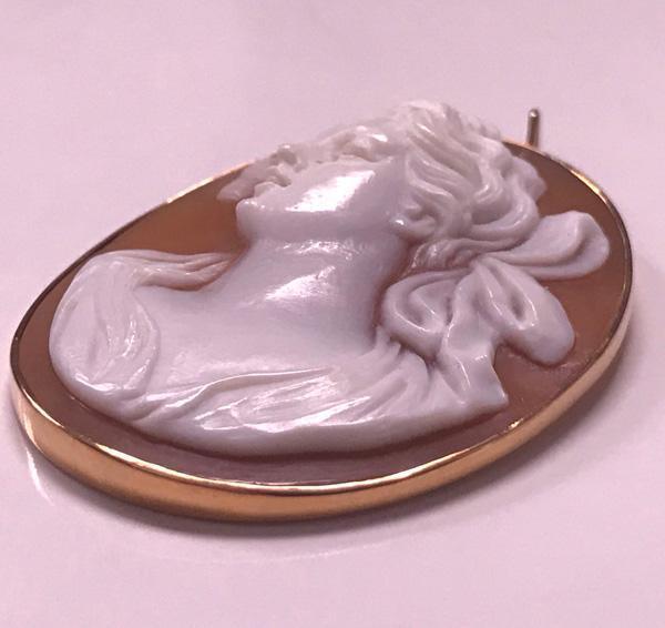 14K Cameo depicting Lady in profile, early 20th century.