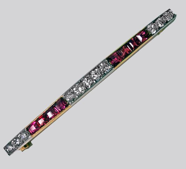 French Art Deco Ruby and Diamond Bar Brooch, C.1925