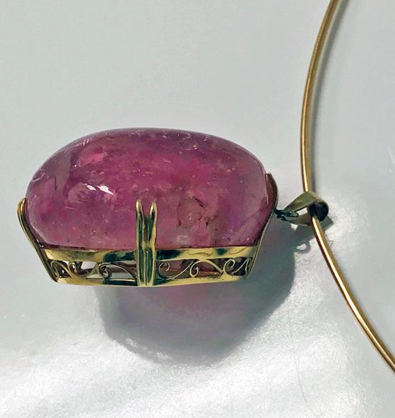 1960'S large free form pink tourmaline Pendant Necklace