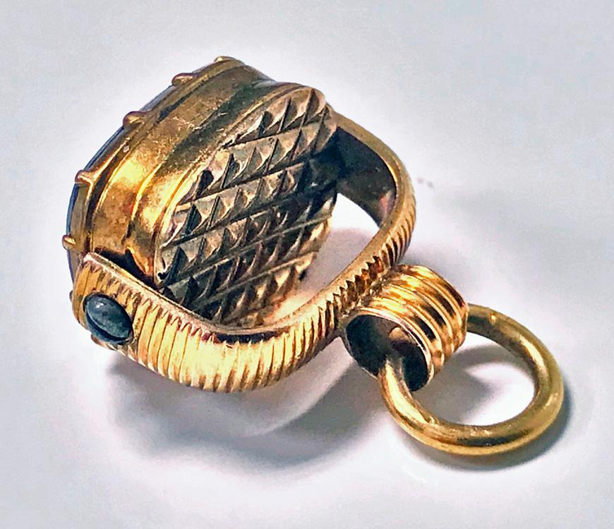 Antique Gold Fob Swivel Basket  C.1840