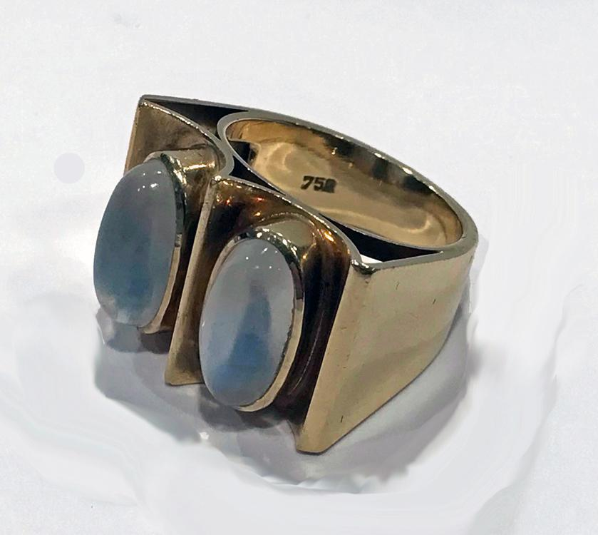 1970's 18K Moonstone Abstract Ring