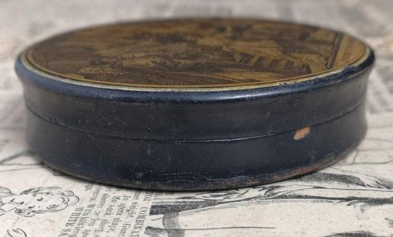 Antique French erotic snuff box, Religious theme