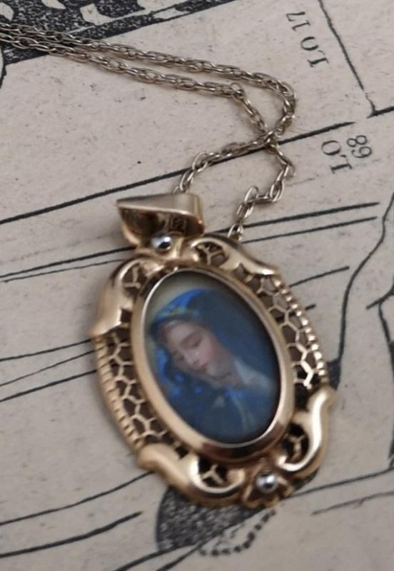 Antique Georgian pendant, 18k gold, rock crystal, Religious