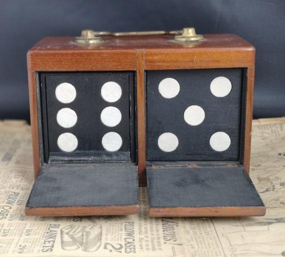 Victorian trick dice box, magic trick