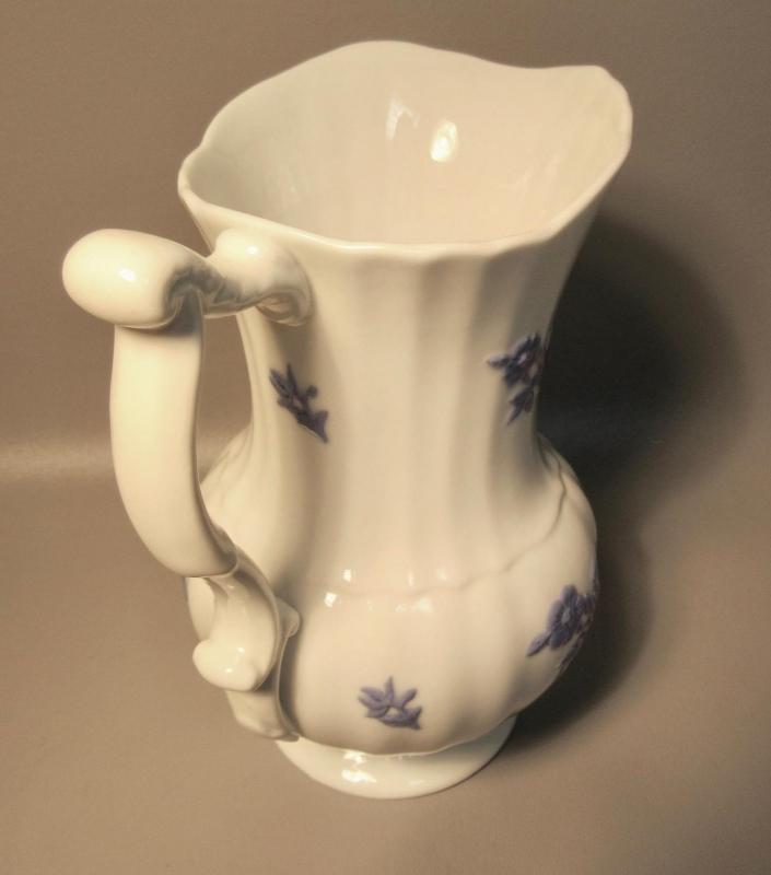 Antique Chelsea Pitcher w/Fluting & A Bulbous Form c1830 In Mint Condition