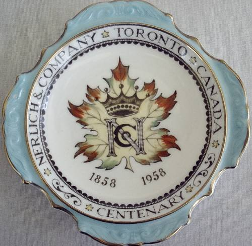 Paragon Commemoration Queen of England Pin Dish