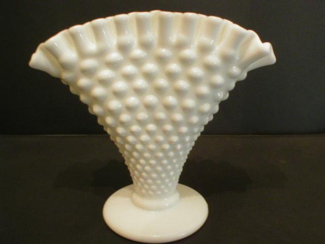 Nice Fenton Hobnail Milk Glass Fan Vase