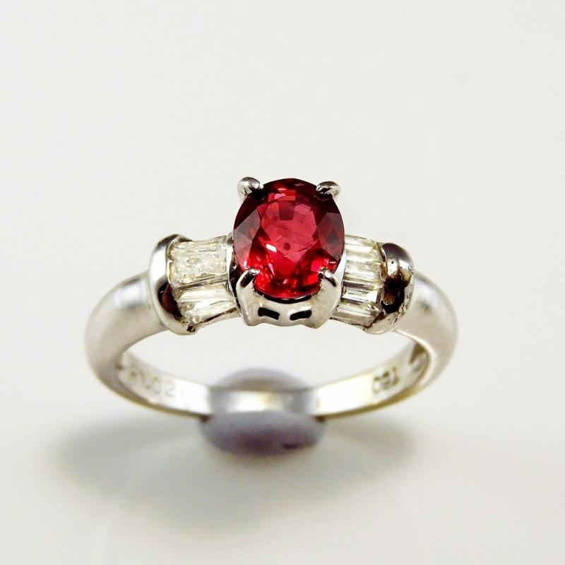 OVAL CUT RUBY Ring Ruby Diamond Three Stone Ring Yesterday Today Tomorrow Ruby Engagement Ruby Anniversary Ring Minimalist 18K White Gold VIVID NATURAL RED RUBY HEIRLOOM ESTATE JEWELRY
