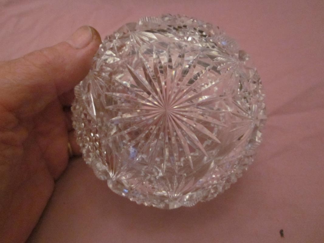 small Brilliant Wheel Cut Lead Crystal Bowl, cuts are deep and satisfying