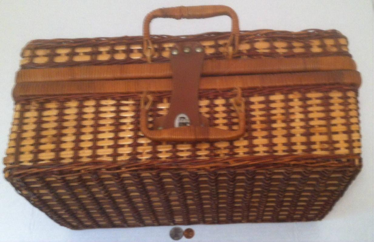 Vintage Wicker Picnic Basket, Quality Made, 18 x 12 x 8, Can Hold A Lot, Picnic Basket Just Like Yogi Bear Loves, It Could Use A Good Scrub