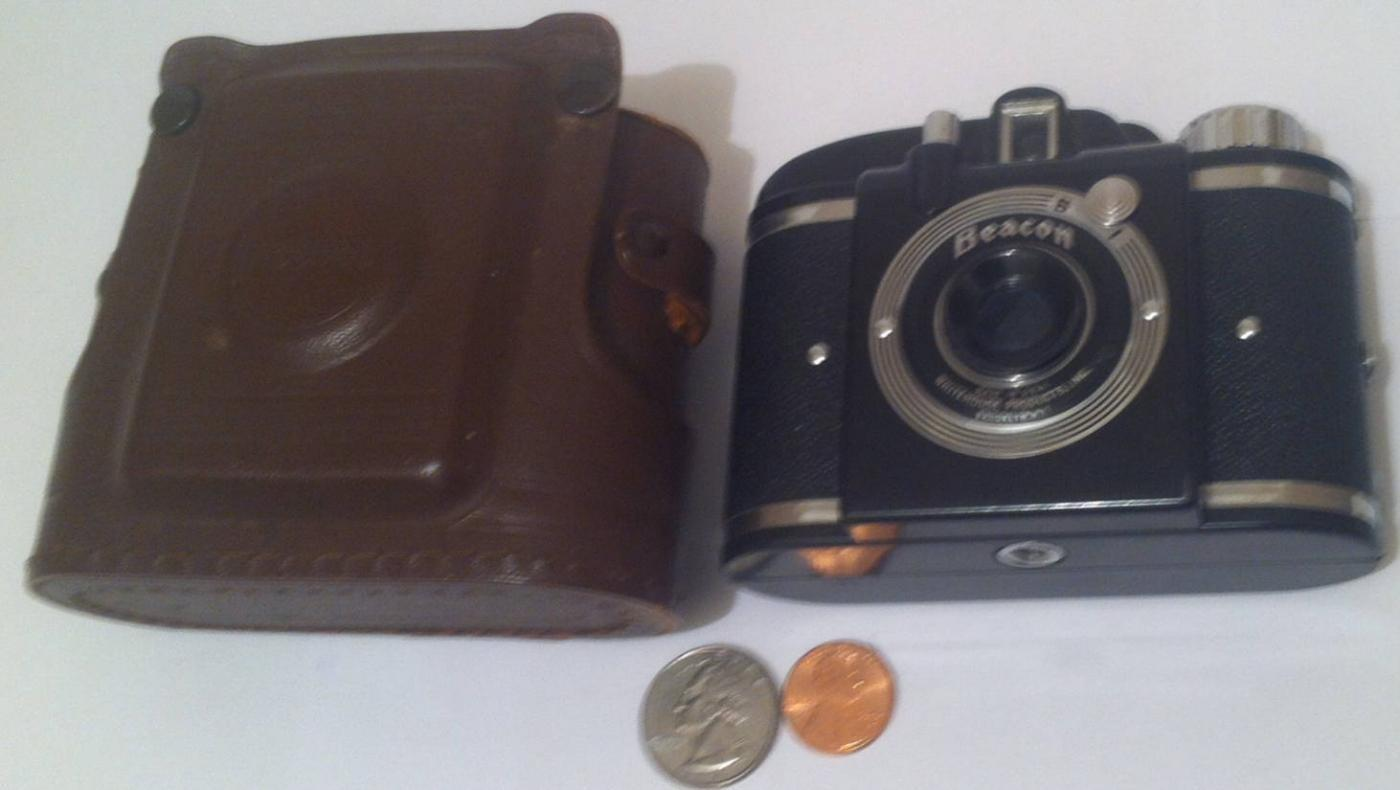 Vintage 1940's Beacon Camera in Brown Leather Case, Made in USA, Shelf Display, Home Decor, Photo, Photography, Camera Collection, Pictures