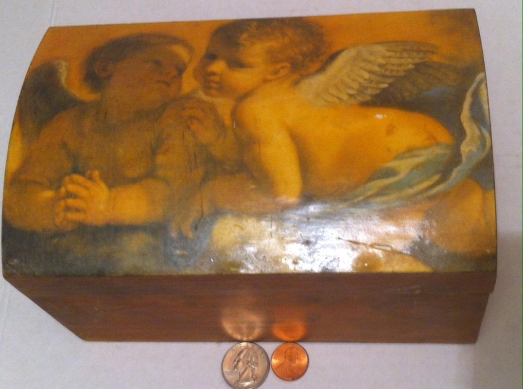 Vintage Wooden Storage Box, Stash Box, Nice Glossy Picture, 8