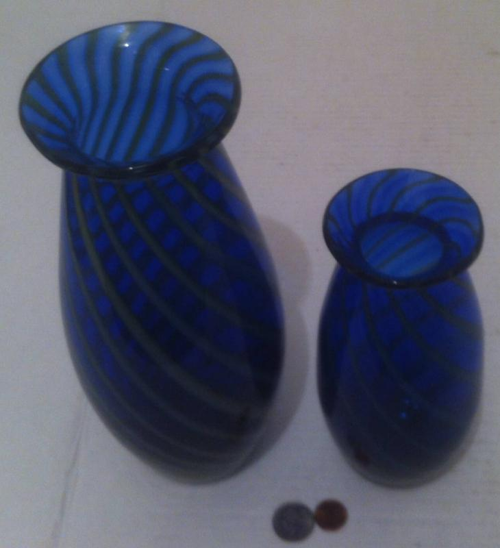 """Vintage Set of 2 Nice Blue Glass Shelf Displays, Vases, Home Decor, 11"""" and 8"""" Tall, Thick Quality Glass"""