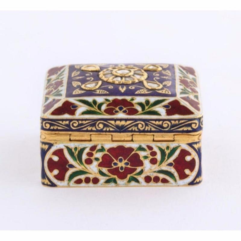 22-Karat Jaipur Indian Gold Enamel and Diamonds Pill Snuff Box