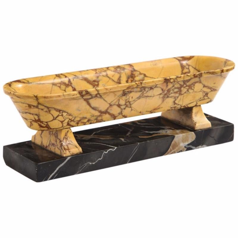 Italian Grand Tour Marble Sarcophagus Bathtub, circa 1895
