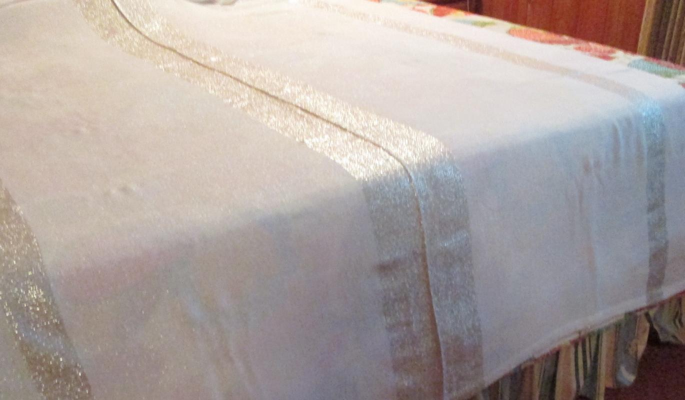Frederick & Nelson SILVER Metallic 104 inch Banquet Tablecloth and Napkins  - Vintage Textile