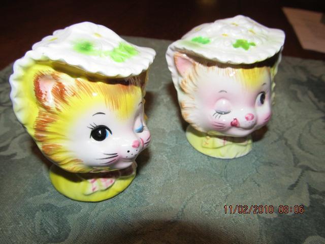 Winkin' Miss Priss Kitty ENESCO Salt + Pepper - Fine Porcelain