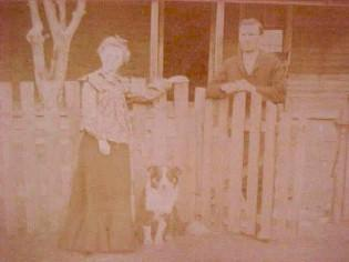 Photo Vintage Family with Dog - Paper