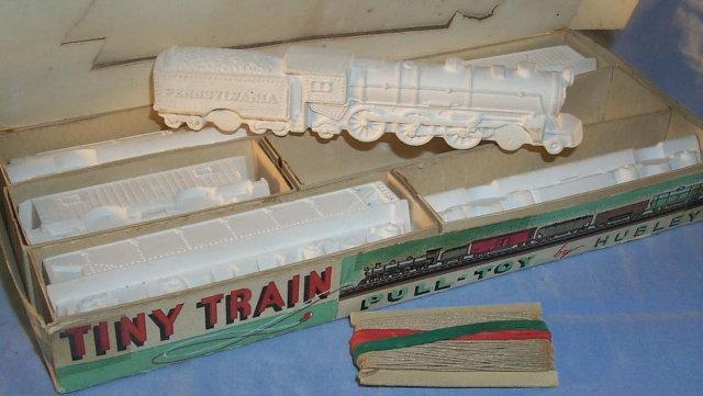 Hubley TINY TRAIN PULL-TOY Kit in Original Box - Toys
