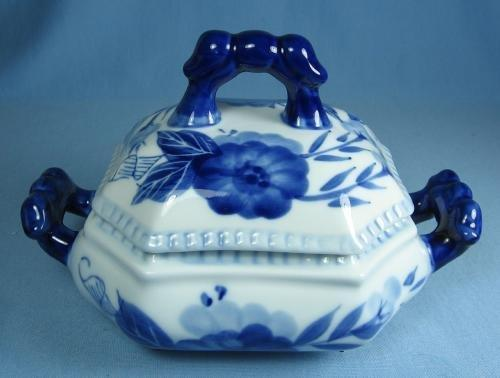 Blue  White Porcelain Pottery Covered Tureen