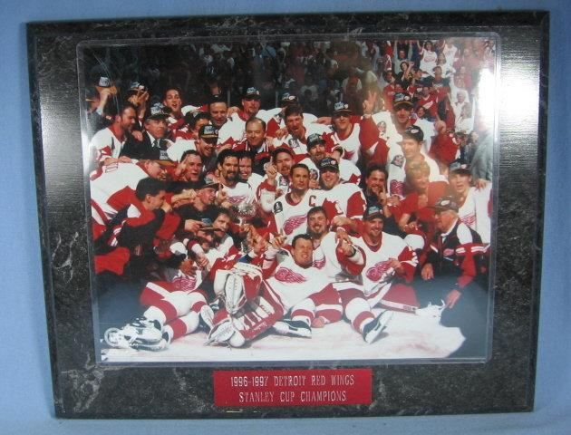 Detroit Red Wing Hockey 1996-1997 STANLEY CUP CHAMPIONS Team Photograph - sporting