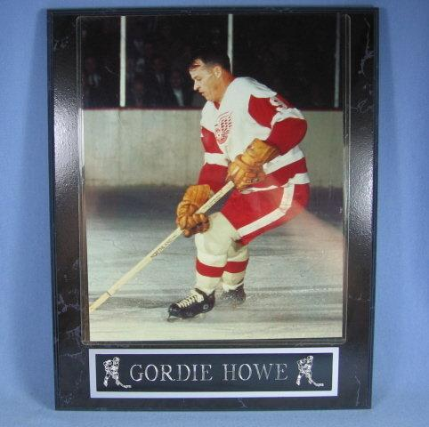 Detroit RED WING Framed GORDIE HOWE Photograph - sporting