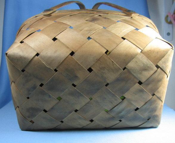 Split Ash Basket Woven -  Antique Dbl Bent Oak Handle