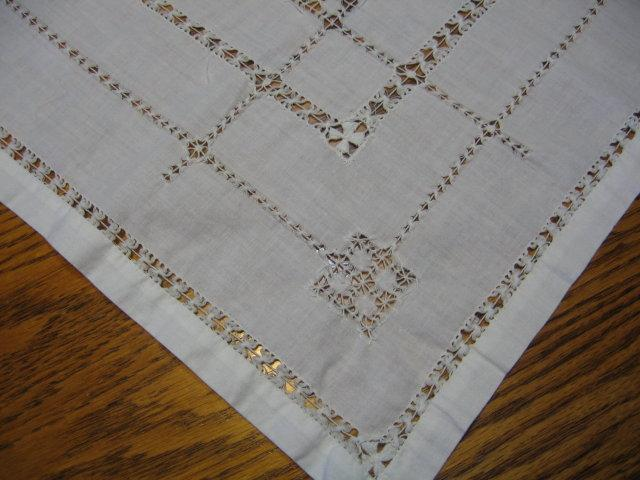 Fancy DRAWN WORK Tablecloth for Tea Table 32 x 32 inch
