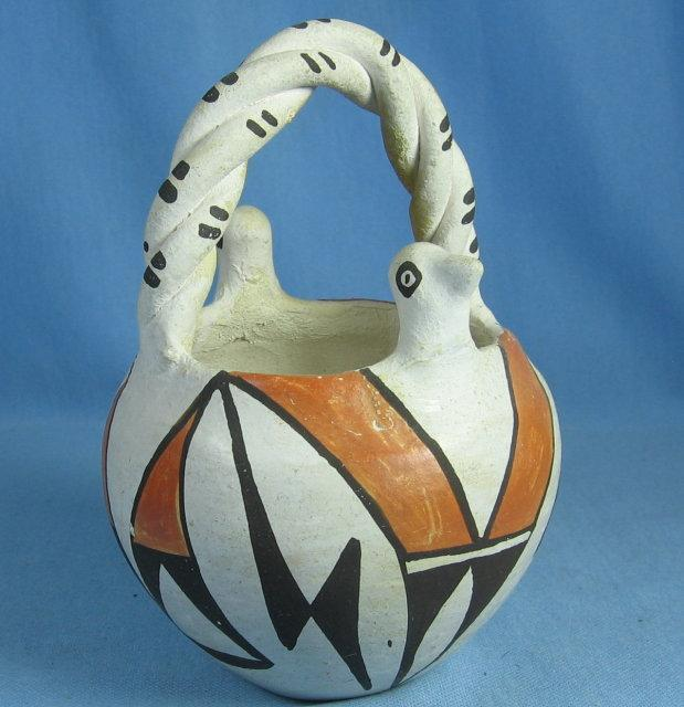 American Indian ACOMA Pottery Basket - Ethnographic