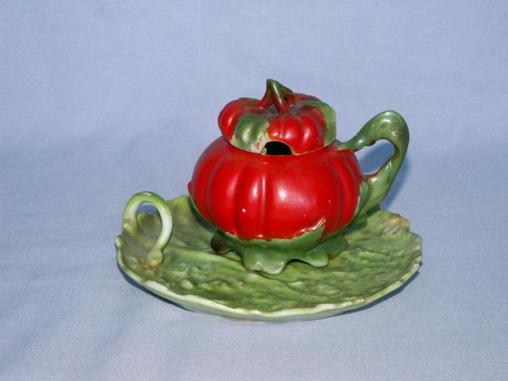 ROYAL BAYREUTH Porcelain Lidded TOMATO Mushard Container with Nappy