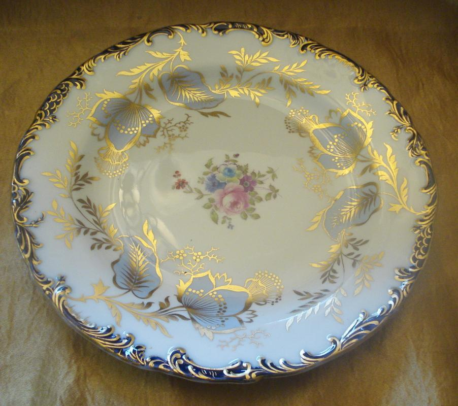 Wedgwood White Dinner Plate with Dark Rim with Gold Trim