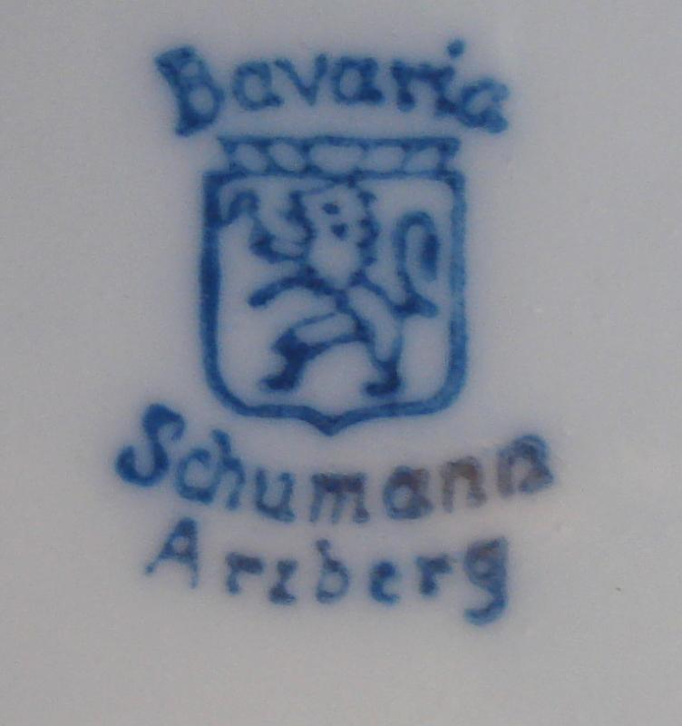 Schumann Oval Tray with Reticulated Top Edge