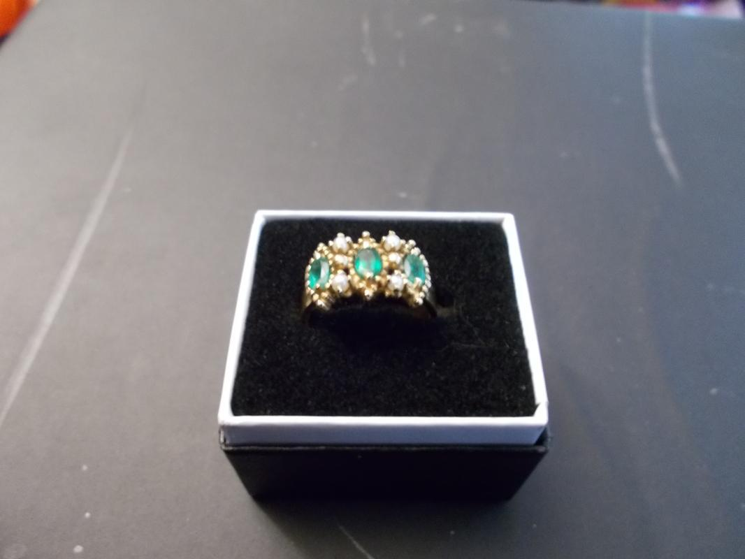 Antique Victorian Ladies Emerald and Pearl Ring