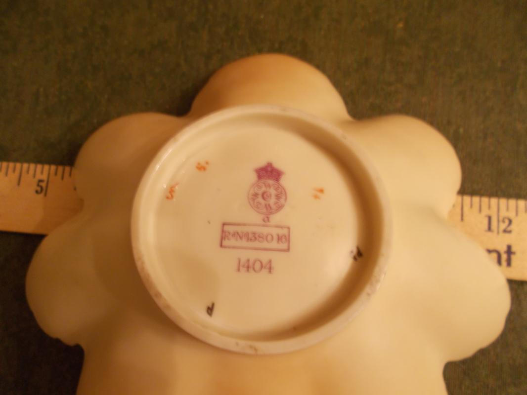Antique, Beautiful, British Royal Worcester Nappy (1890). Beautiful.